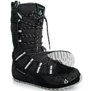 Vasque Lost 40 Winter Hiking Snow Boots